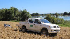 Bodenscanner EM38 und Probenahmefahrzeug für georeferenzierte Probenahme